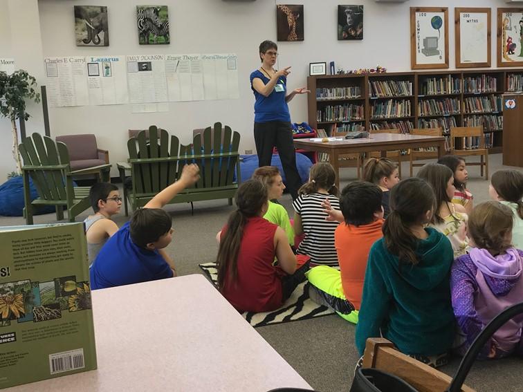 Janet Slingerland talking with 3rd graders